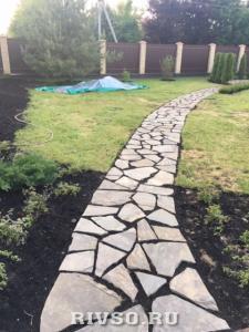 3 Trotuarnii-kameni-dorojki-rabota – po-ukladke