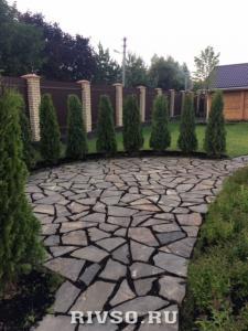 6 Trotuarnii-kameni-dorojki-rabota – po-ukladke