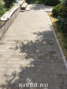 17 Ukladka-trotuarnoi-plitki