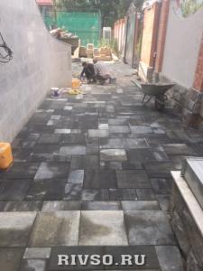 2 ukladka-trotuarnaia-plitka-kolormix