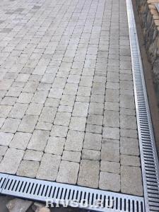 3 drenaj-trotuarnaia-plitka